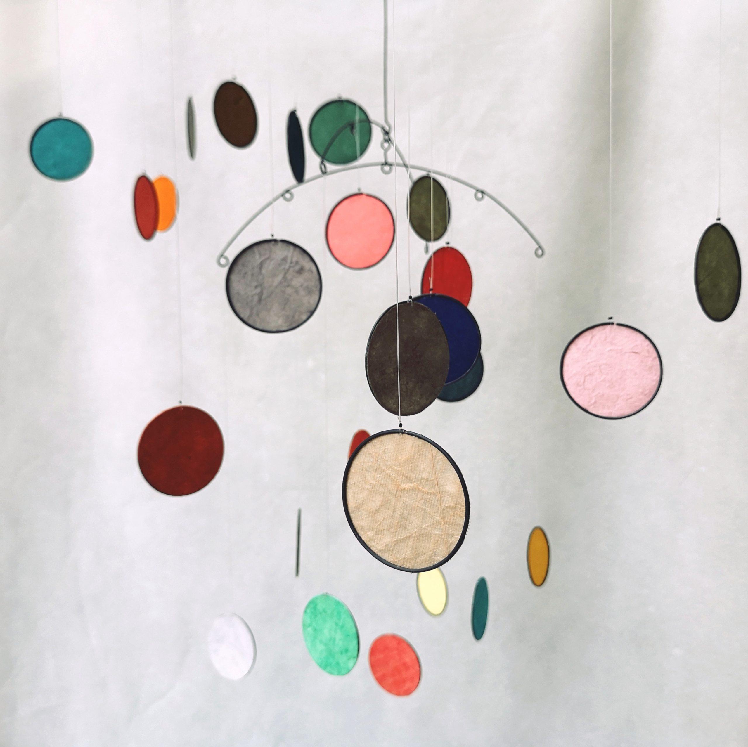 Mobiles confettis trois coloris